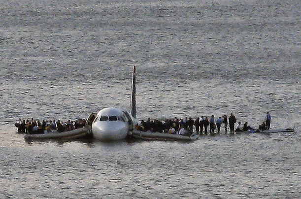 http://img.timeinc.net/time/photoessays/2009/plane_crash_redux/plane_crash_redux_01.jpg