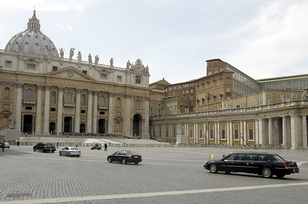 The President's motorcade arrives at the Vatican.