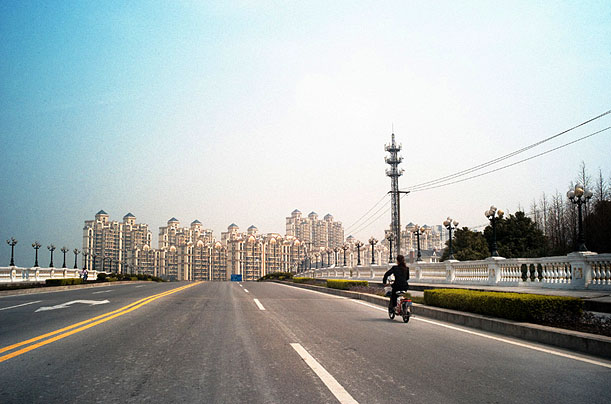 The street of Songjiang, won't stay so empty for a long time