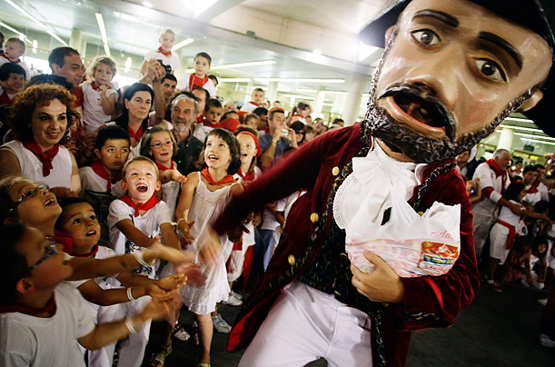 Kilikis: The Giant Bobble Heads of Pamplona