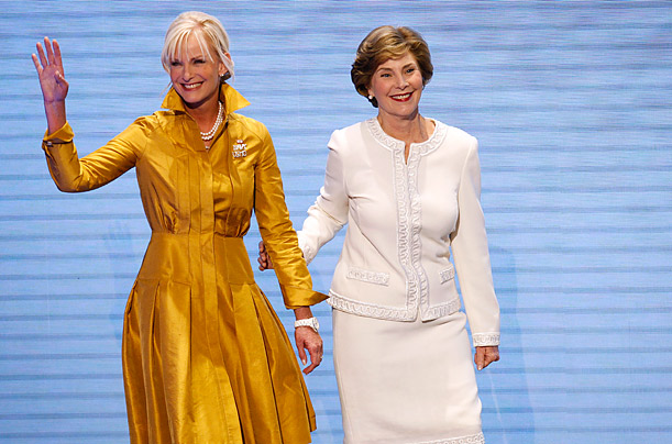 Women of the White House Wear Oscar