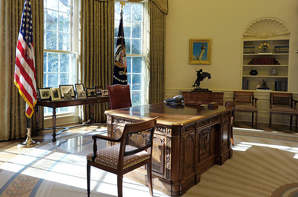 Obama 39 S Personal Touches To The Oval Office Photo Essays: oval office decor by president