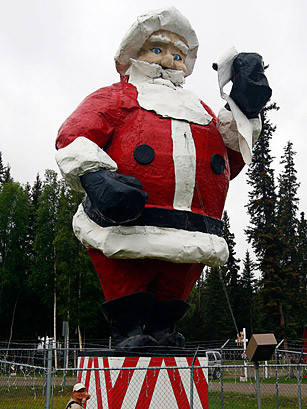 Worlds largest santa claus north pole ak top 50 american top 50 american roadside attractions spiritdancerdesigns Image collections