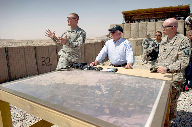 Robert Gates in the War Zones