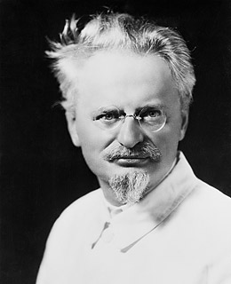 DISCUSSION: Leon Trotsky, martyr or delusional lapdog? Leon_trotsky