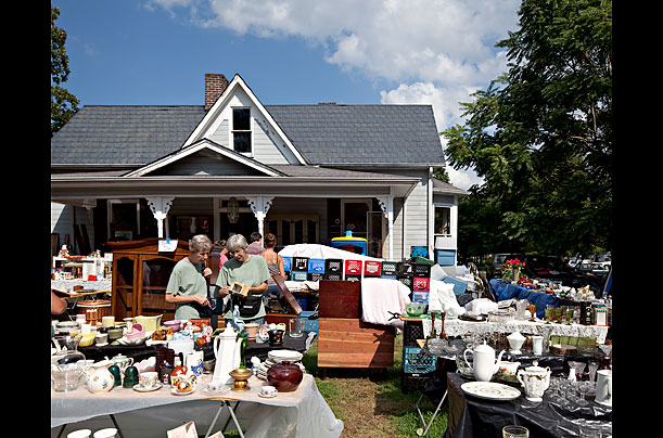 World's Longest Yardsale
