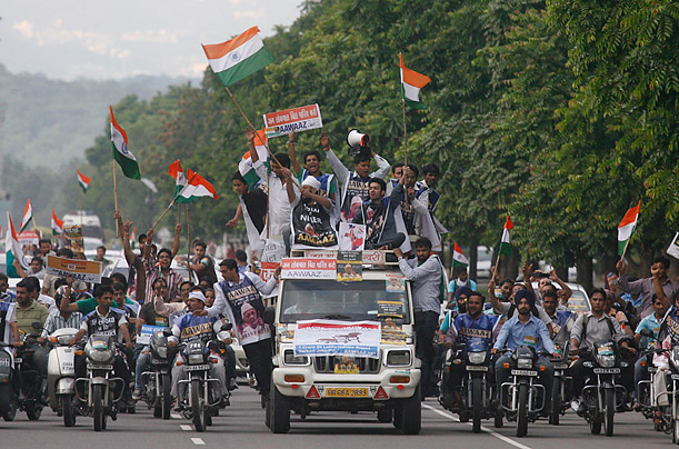 Indians Protest the Arrest of Anna Hazare