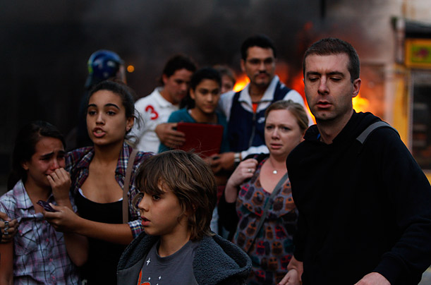 essay uk riots Buy law essay uk riots 2011 cause buy law essay uk riots 2011 cause if a child lacks sufficient respect to address authority figures politely, and faces no penalty for failing to do so, then other forms of abuse - of property and person - come naturally.