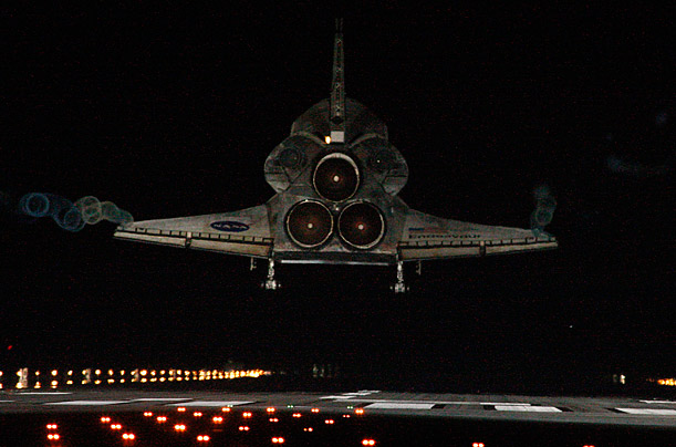 Shuttle Endeavour Makes its Final Landing