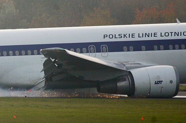 A Boeing 767 of Polish LOT airlines makes an emergency landing at Warsaw airport, November 1, 2011. The plane en route from Newark with 230 people onboard made an emergency landing in Warsaw