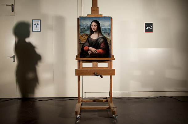 essays on mona lisa The mona lisa essay the mona lisa, why so famous xxxxx xxxxxxx park university the famous mona lisa art has been around for thousands of years from the simple.