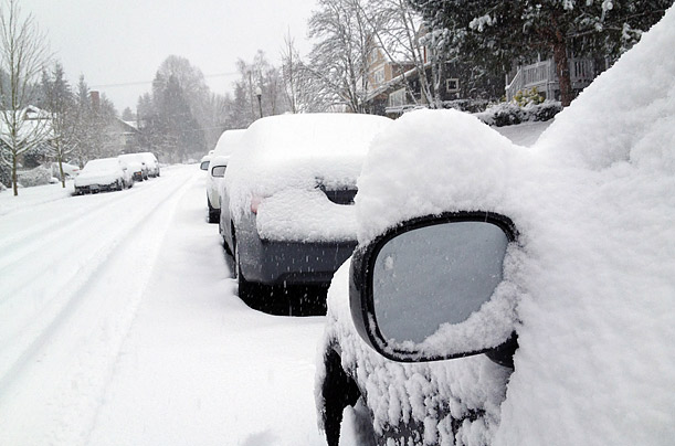 Snowstorm Hits Washington State Seattle is spared as the Olympia area bears the brunt