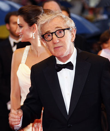 US director Woody Allen arrives to attend the screening of his film 'Vicky Cristina Barcelona' at the 61st Cannes International Film Festival on May 17, 2008 in Cannes, southern France