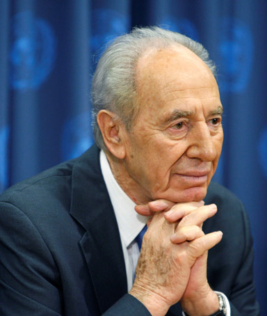 Shimon Peres, Israeli president, praising King Abdullah of Saudi Arabia for