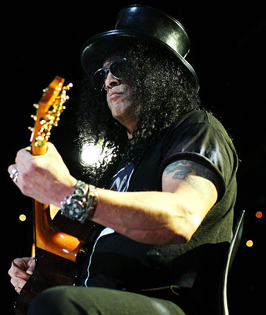 Slash performs on stage during a Max Sessions concert at the Seymour Centre on August 15, 2010 in Sydney, Australia