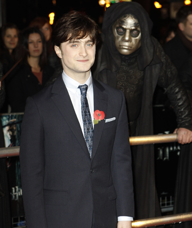 British actor Daniel Radcliffe arrives at a cinema in London�s Leicester Square for the World Premiere of Harry Potter and the Deathly Hallows Part 1, Thursday, Nov. 11, 2010