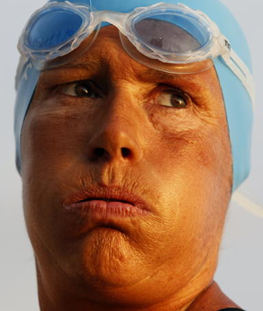 U.S. swimmer Diana Nyad looks at the ocean before her attempt to swim to Florida from Havana August 7, 2011