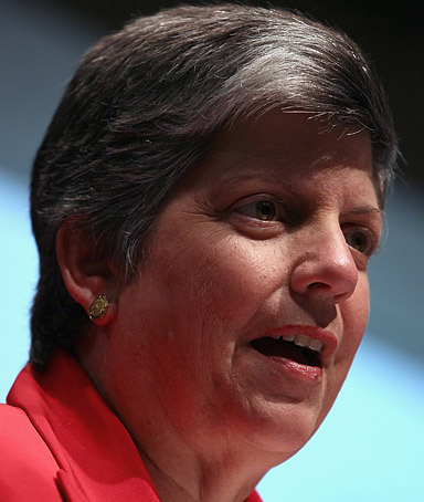 Homeland Security Secretary Janet Napolitano speaks at the U.S. Chamber of Commerce on August 17, 2011 in Washington, DC.