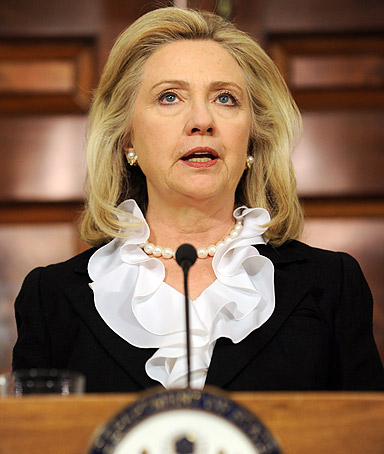 US Secretary of State Hillary Clinton makes a statement to the press on US sanctions on Syrian oil at the State Department in Washington, DC on August 18, 2011.