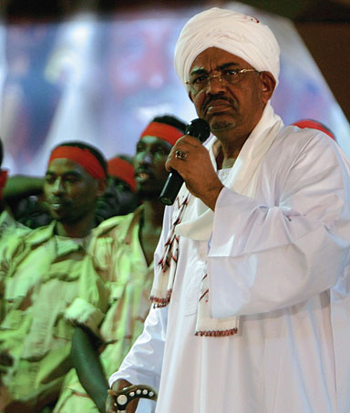 Sudanese President Omar al-Bashir speaks at the National Congress Party headquarters in Khartoum on April 18, 2012