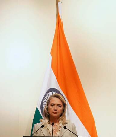 U.S. Secretary of State Hillary Clinton pauses during a joint news conference with India's Foreign Minister Somanahalli Mallaiah Krishna (unseen) in New Delhi May 8, 2012