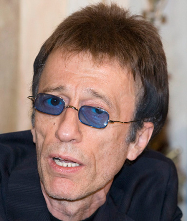Former Bee Gees singer Robin Gibb speaks during a news conference in Moscow in this March 15, 2008 file photo