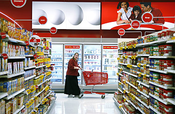 Walmart, Target in Recession Retail Battle Over Food - TIME