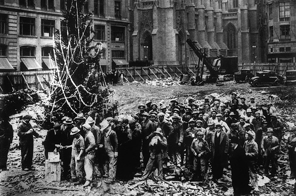 History Of Christmas Tree.A Brief History Of The Rockefeller Center Christmas Tree