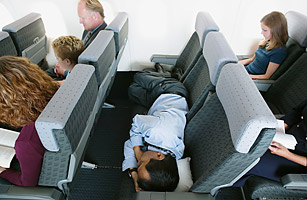12 Who Took My Blanket 20 Reasons To Hate The Airlines